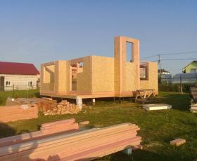 Деревня Кемпелево. Строительство дома из СИП панелей